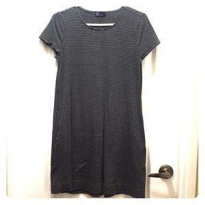 Knit stripe pocket dress